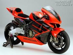 112_1024_Hondawallpaper_Rc211v3zoom+2003_Honda_Rc211V+Full_Right_Side_View.jpg