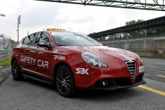 Alfa-Giulietta-Safety-Car-1.jpg